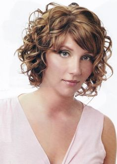 Cute Cropped Chin Length Spiral Curled Bob Haircut Picture Design 957x1338 Pixel