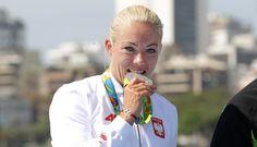 """Seksowne pończochy, bikini, sukienka mini. """"Stylówki"""" naszej wicemistrzyni olimpijskiej z Rio de Janeiro robią duże wrażenie."""