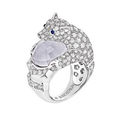 Arctic, the polar bear ring, a Maison Boucheron Jewelry creation. A Boucheron creation tells a Story, that of the Maison and your own.
