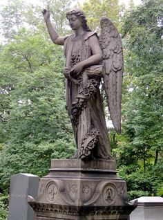 Angel grave marker, Lake View Cemetery, Cleveland, Ohio