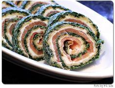 Spinat-Lachs-Käse-Rolle Toller Party-Snack, prima vorzubereiten! #kochen #Kaese #cheese #Lachs #salmon #Party #Rezept