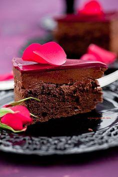 Tort czekoladowy z chrupiącą praliną | Moje Wypieki