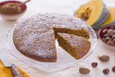 La torta morbida alla zucca è un dolce per la colazione o da servire per merenda, morbido e soffice, una torta molto semplice  da preparare.