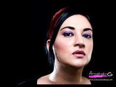 Hoy maquillaje con pigmentos Makeup Revolution,muy fácil de realizar y muy llamativo,espero que os guste ;0)
