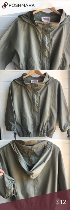 Green Dolman Lightweight Jacket Forever 21 light army green jacket. Thin and light weight. Domin style sleeves and a hood. In excellent condition Forever 21 Jackets & Coats Utility Jackets