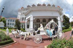 #BigDay #weddings #realweddings    Alyssa and Stephen's Fairy-Tale Wedding at Disney Check more at http://www.bigday.io/2015/12/12/alyssa-and-stephens-fairy-tale-wedding-at-disney/