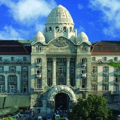 About Gellert bath Budapest Since its construction in the Gellért Spa has been the most prestigious of thermal baths on the Buda side of the city. The spa is famous for its main hall with. Wine Bath, Time Out Magazine, Capital Of Hungary, Famous Buildings, Art Nouveau Architecture, Taj Mahal, Cruise, The Neighbourhood, Beautiful Places