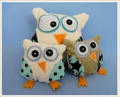 This is a darling tutorial for a stuffed Owl.There is a free downloadable pattern with complete instructions. Check out Cecilia's blog for many neat tutorials.