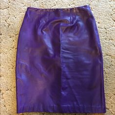 Purple leather pencil skirt Gorgeous vintage skirt, fully lined, back zip. Erez Skirts Pencil