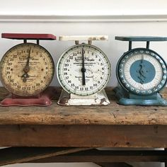 I want to collect these Vintage kitchen scales. They would look so great in a Farmhouse kitchen.