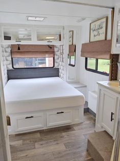 "Determine additional details on ""rv renovation ideas"". Visit our website. Rv Interior Remodel, Camper Renovation, Airstream Interior, Vintage Airstream, Vintage Campers, Travel Trailer Remodel, Travel Trailers, Rv Redo, Rv Homes"