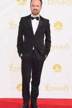 When He Looked Insanely Dapper on the Red Carpet Celebrity Photoshop Fails, Aaron Paul, Celebrity News, Dapper, Red Carpet, Suit Jacket, Celebrities, Jackets, Pictures
