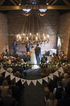 These romantic wedding venues are perfect for an unforgettable wedding day! Romantic Wedding Favours, Wedding Bunting, Modern Wedding Invitations, Romantic Weddings, Wedding Themes, Wedding Favors, Our Wedding, Wedding Venues, Wedding Photos