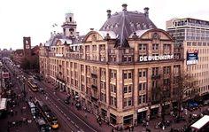 2006 - 2007 Verkoopmedewerker modeaccessoires @ de Bijenkorf Amsterdam. Leuke, dynamische bijbaan tijdens mijn studie.
