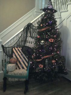 Halloween tree...I want one in our house!