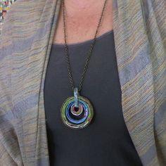 Riciclato carta collana ciondolo  cerchi blu di TheJewelOfPaper