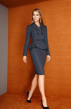 Business fashion is a totally different theme. Work Dresses For Women, Suits For Women, Clothes For Women, Suit Fashion, Work Fashion, Fashion Dresses, Cheap Fashion, Womens Dress Suits, Professional Outfits