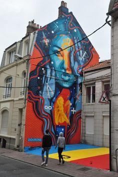 À l'occasion de la première édition du festival d'art urbain à Boulogne-sur-mer, Street Art Avenue et la mairie de Boulogne-sur-Mer, ont choisi Dourone ain