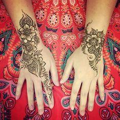 Hena Designs, Henna Tattoo Designs, Tattoo Ideas, Henna Body Art, Henna Art, Simple Henna, Easy Henna, Hand Tattoos, Thigh Tattoos