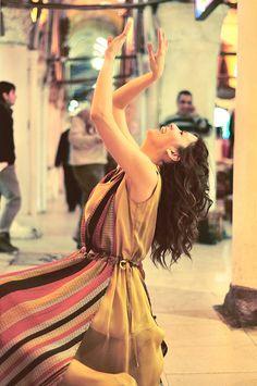 billur saatci, off ne giysem, #grandbazaar #istanbul #dance