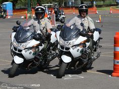 Google Image Result for http://images.motorcycle-usa.com/PhotoGallerys/Motorcycle-Police-Skills-13.jpg