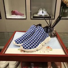 86738cc3f46 Buy Womens Balenciaga Speed Trainer With Woven Uppers New Style Navy  Nouveau Style De Chaussures