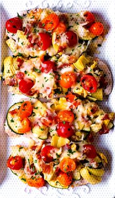 One-Pan Baked Italian Chicken with Vegetables One-Pan Baked Italian Chicken with VegetablesYou can find Italian baked chicken and more on our website. Italian Baked Chicken, Bruschetta, Vegetable Pizza, Website, Baking, Vegetables, Ethnic Recipes, Food, Bread Making
