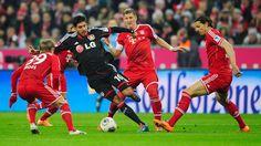 Bayern trece de Leverkusen la penalty-uri si va juca cu Dortmund in semifinalele Cupei Germaniei! Bastian Schweinsteiger, To Go, Basketball Court, Soccer, Most Popular Sports, Side, Pictures, Free Kick, Munich