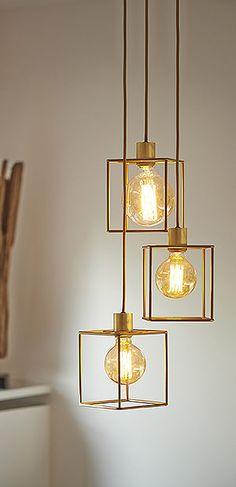 Living Room Inspiration, Interior Inspiration, Cottage Design, House Design, Hanging Light Bulbs, Entrance Lighting, Copper Interior, Wall Lights, Ceiling Lights