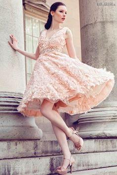 #sexi #love #jeans #clothes #coat #shoes #fashion #style #outfit #heels #bags #treasure #blouses #wedding #weddingdress #weddingday #weddingcelebrationYumi+Katsura+-+pútavá+svadobná+kolekcia+na+jar/leto