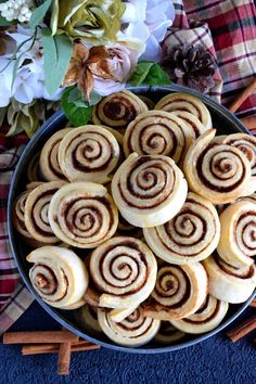 Newfoundland Style Cinnamon Rolls are less like bread and more like a biscuit. No icing needed here; Cookie Recipes, Dessert Recipes, Bread Recipes, Newfoundland Recipes, Date Squares, Best Cinnamon Rolls, Cinnamon Cookies, Work Meals, Instant Pot Dinner Recipes