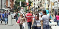 """El periodista José Vicente Rangel publicó este domingo la más reciente encuesta de la empresa Hinterlaces, que estuvo basada en la situación económica que vive el país. En esta se evidencia que el 45% de los venezolanos consideran que la crisis nacional es """"muy grave"""", mientras que solo 5% cree que es """"nada grave"""" o…"""