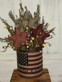 23 Patriotic Decorations You'll Love Patriotic Decorations 22 Americana Crafts, Patriotic Crafts, Country Crafts, July Crafts, Primitive Crafts, Summer Crafts, Holiday Crafts, Patriotic Party, Primitive Country