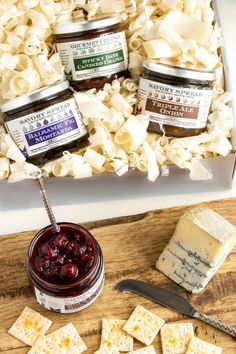 Best Jams and Savory Spreads For Cheese Pairings - Wozz! Gourmet Gifts, Food Gifts, Gourmet Appetizers, Balsamic Reduction Sauce, Sour Cherry Jam, Fig Spread, Spiced Wine, Cheese Pairings, Wine Pairings