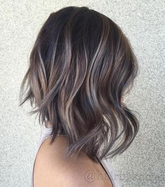 dark bob with copper and golden blonde highlights balayage hair color Hair Color Dark, Ombre Hair Color, Hair Color Balayage, Blonde Balayage, Blonde Highlights, Caramel Highlights, Color Highlights, Ash Color, Brown Balayage Bob