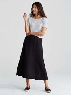 Shop by size for women's fashion from EILEEN FISHER. All our clothes for women are carefully crafted to fit and flatter. Midi Dress Outfit, Summer Dress Outfits, Black Midi Dress, Chic Outfits, Dress Skirt, Work Outfits, Eileen Fischer, Womens Linen Clothing, Sixties Fashion