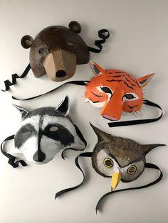 Paper Mache Balloon, Paper Mache Mask, Diy Paper, Paper Crafts, Newspaper Flowers, Paper Mache Animals, Animal Masks, Create And Craft, Diy Mask