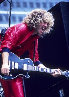 Sammy Hagar performs at Oakland Stadium in May 1979 in Oakland, California. Get premium, high resolution news photos at Getty Images Red Rocker, Sammy Hagar, Pose Reference Photo, Women Of Rock, Music Pics, Female Guitarist, Heavy Metal Bands, Rockn Roll, Best Rock