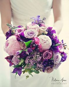 wedding flowers! found via http://wesee.com