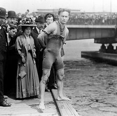Houdini before his near fatal jump & escape from the icy water below the Queen Street bridge in Melbourne, Australia, Feb. 18th, 1910.  Houdini's dive into the Yarra River, Feb 17th 1910