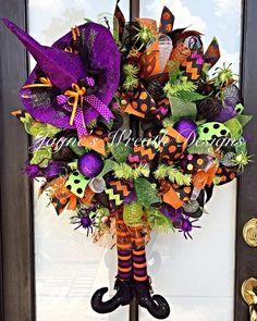 Jayne's wreath designs on FB… Halloween Food Crafts, Halloween Witch Wreath, Halloween Mesh Wreaths, Halloween Signs, Diy Halloween Decorations, Deco Mesh Wreaths, Holiday Wreaths, Fall Crafts, Fall Halloween