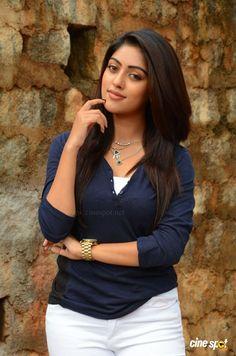 Beautiful Bollywood Actress, Most Beautiful Indian Actress, Beautiful Asian Women, Beautiful Actresses, Indian Actress Pics, South Indian Actress Hot, Tamil Actress, South Actress, Indian Actresses