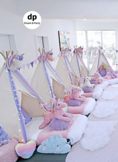 Ideas for unicorn. Birthday Sleepover Ideas, Sleepover Birthday Parties, Girl Sleepover, Birthday Party For Teens, Unicorn Birthday Parties, Unicorn Party, Girl Birthday, Slumber Party Ideas, Spa Party