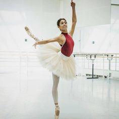 Ballet Dance, Ballet Skirt, Ballet Leotards, Royal Ballet, Dance Photography, Glamour, Elegant, Skirts, Dance Pictures