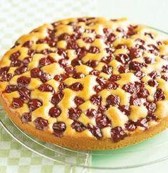 Kirschkuchen, sehr fein Cherry cake, very fine Recipe: A loose sponge cake with cherries – One of delicious, tasty recipes by Dr. Delicious Cake Recipes, Yummy Cakes, Dessert Recipes, Yummy Food, Cupcake Recipes, Dessert For Dinner, Dessert Bars, Buzzfeed Tasty, Cherry Cake