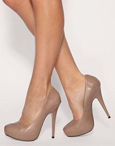 Nude heels, so sexy...