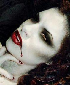 Love this halloween vampire makeup Halloween Make Up, Halloween Costumes, Halloween Face Makeup, Halloween 2013, Halloween Parties, Sfx Makeup, Costume Makeup, Vampire Pictures, Vampire Pics