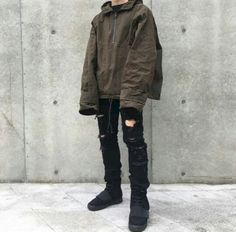 fine 46 Stylish Ripped Jeans for Men https://attirepin.com/2018/01/07/46-stylish-ripped-jeans-men/