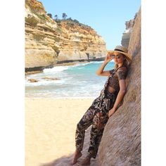 Loch Ard Gorge one of my favorite beaches along Great Ocean Road in Australia   _____________________________  #Australia #lochardgorge #greatoceanroad #fbf #Australian #ocean #gorge #travel #traveler #outfitoftheday #stylist #fashionblog #fashion #style #styleblogger #styleblog #beach #earthday #zimmermann #fashionfriday #travelblog #styling #fashionblogger #fblogger #fbloggers #ootd #fashionblogger #lookoftheday #fashiongram #TheEyeTravels by theeyetravels