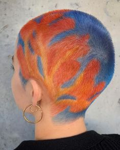 Vivid hand-painted pink, orange coral oceanic women's buzz cut hairstyle, … - Hair Buzz Cut Women, Buzz Cuts, Buzz Cut Hairstyles, Yellow Hair Color, Ocean Hair, Shaved Hair Designs, Aesthetic Hair, Grunge Hair, Hair Art